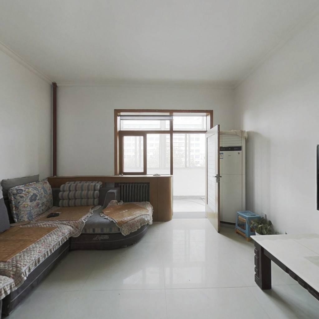 诚心出售人民路,精装三室,中间楼层,有本能过户