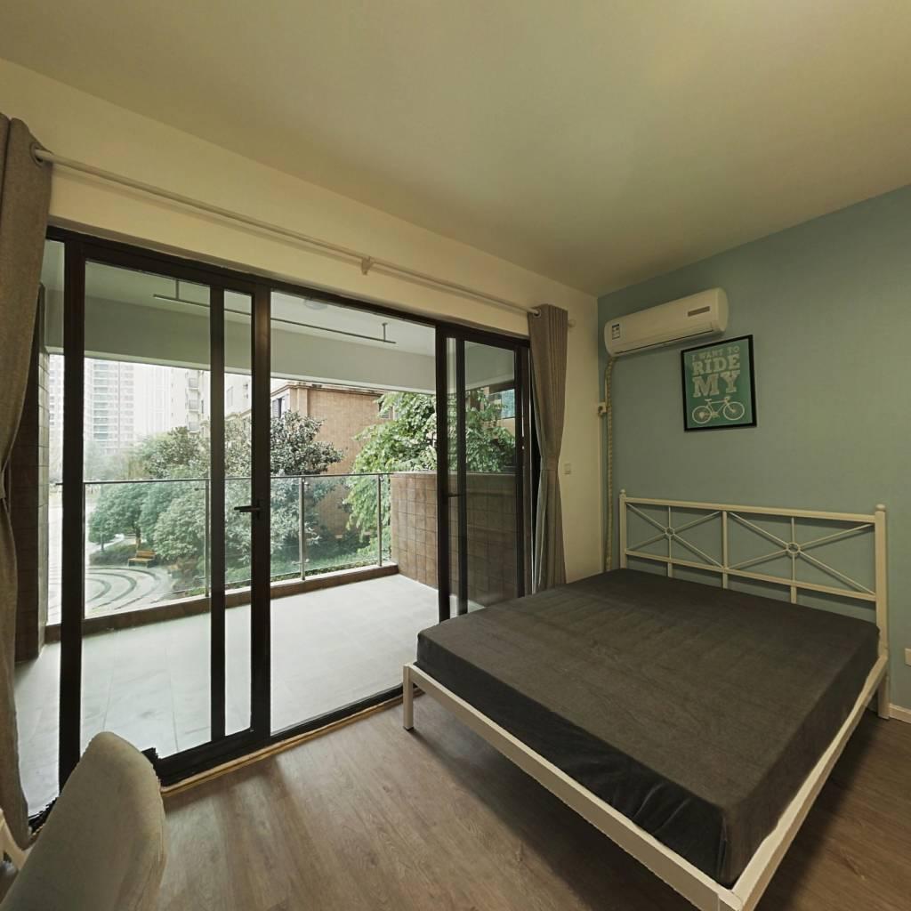 合租·恒大天府半岛二期 4室1厅 西北卧室图