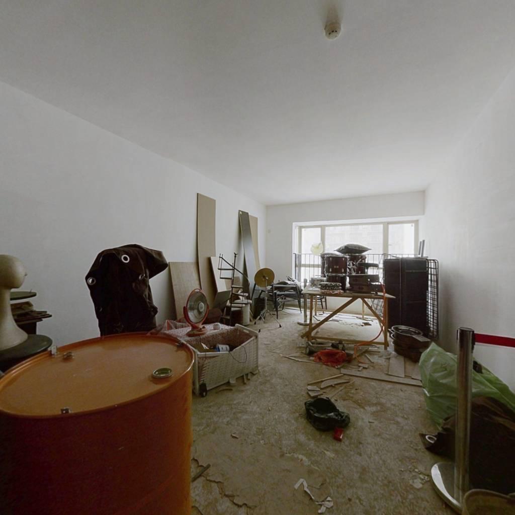 商务区 中楼层 小公寓,一个开间带卫生间