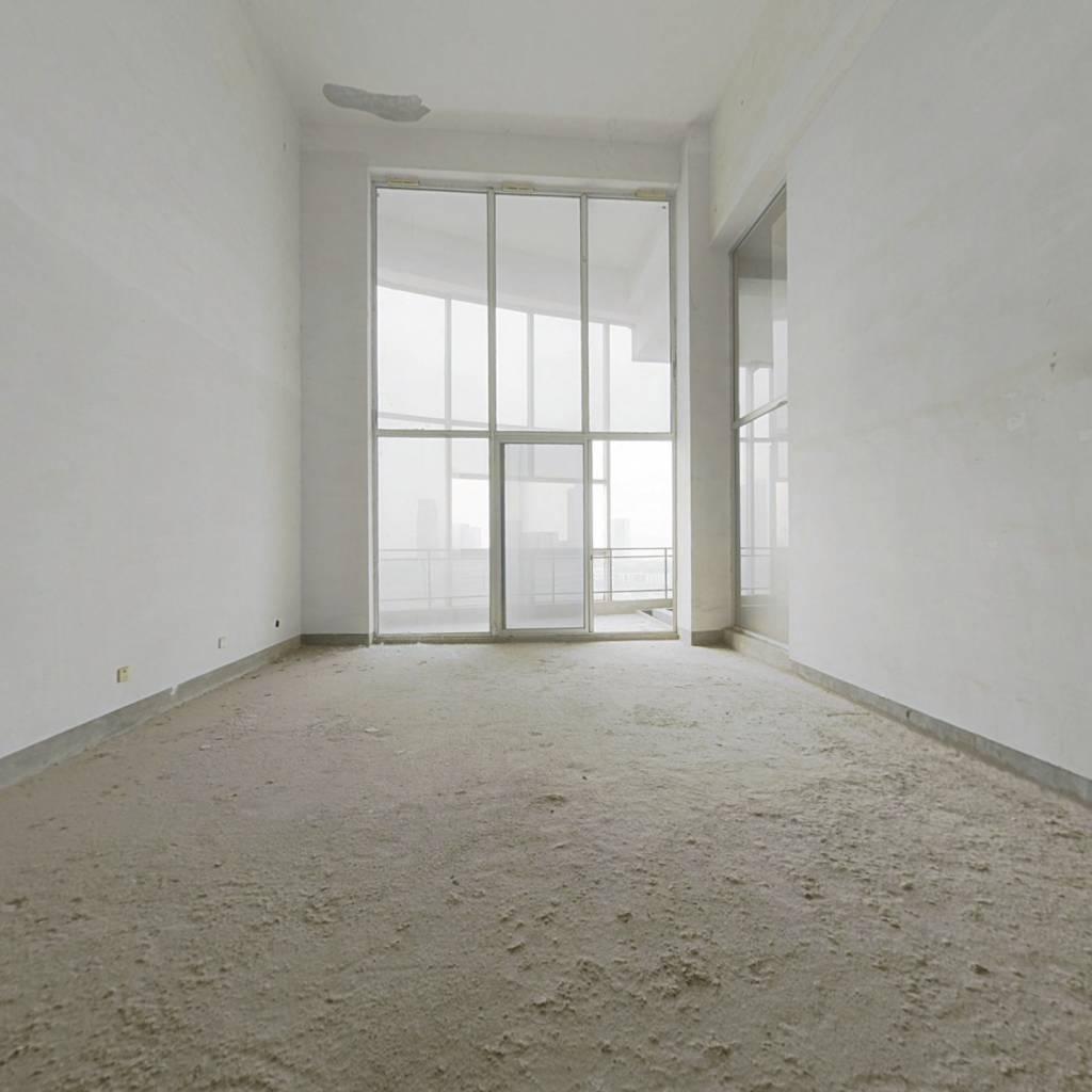 和谐天下楼中楼  6.6米挑高带室内游泳池  一梯一户