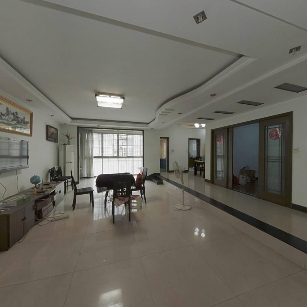 望麓锦园一期南栋,标准四房140平米精装只要8500元