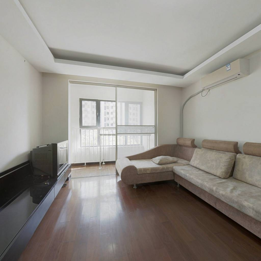 丽景长安精装三居室,南北通透户型,小区中间位置
