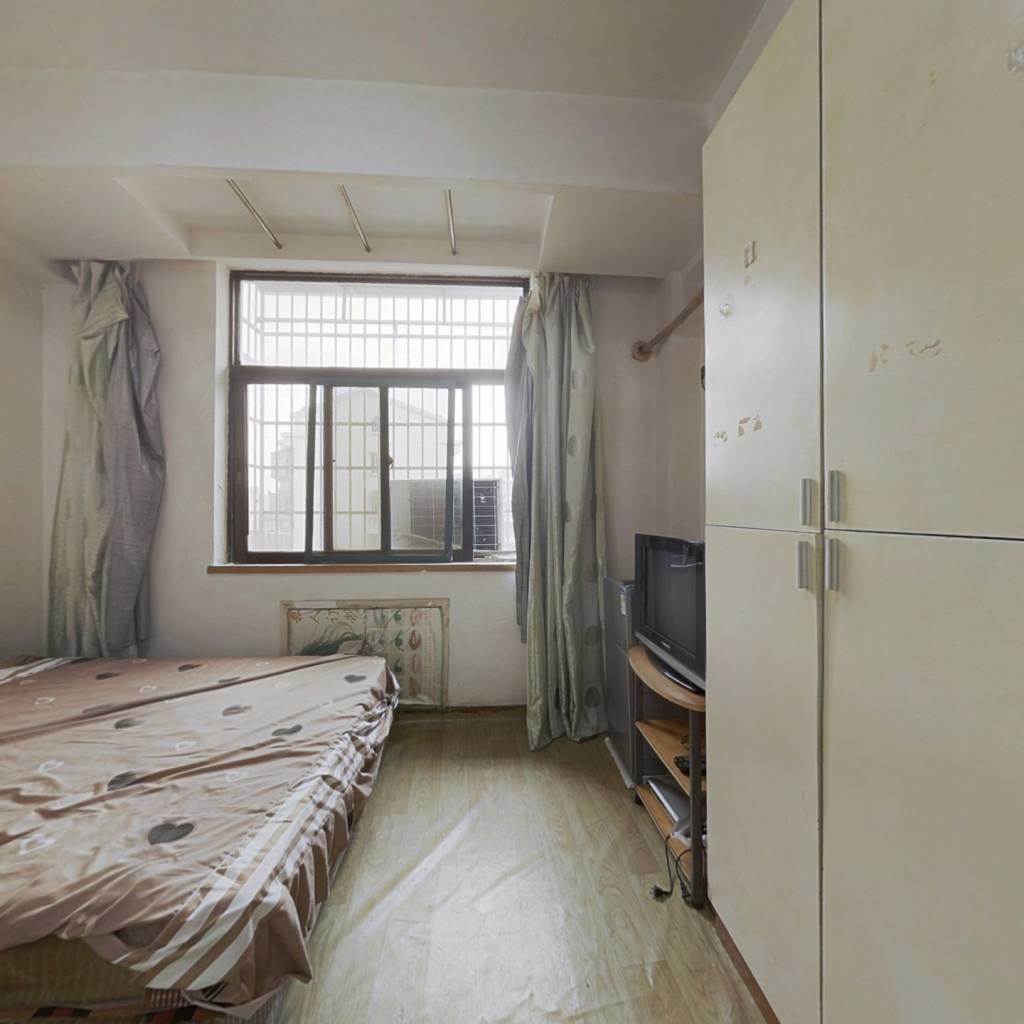此房位于北仑新大路上 临大夜市 酒店式公寓 适于居住