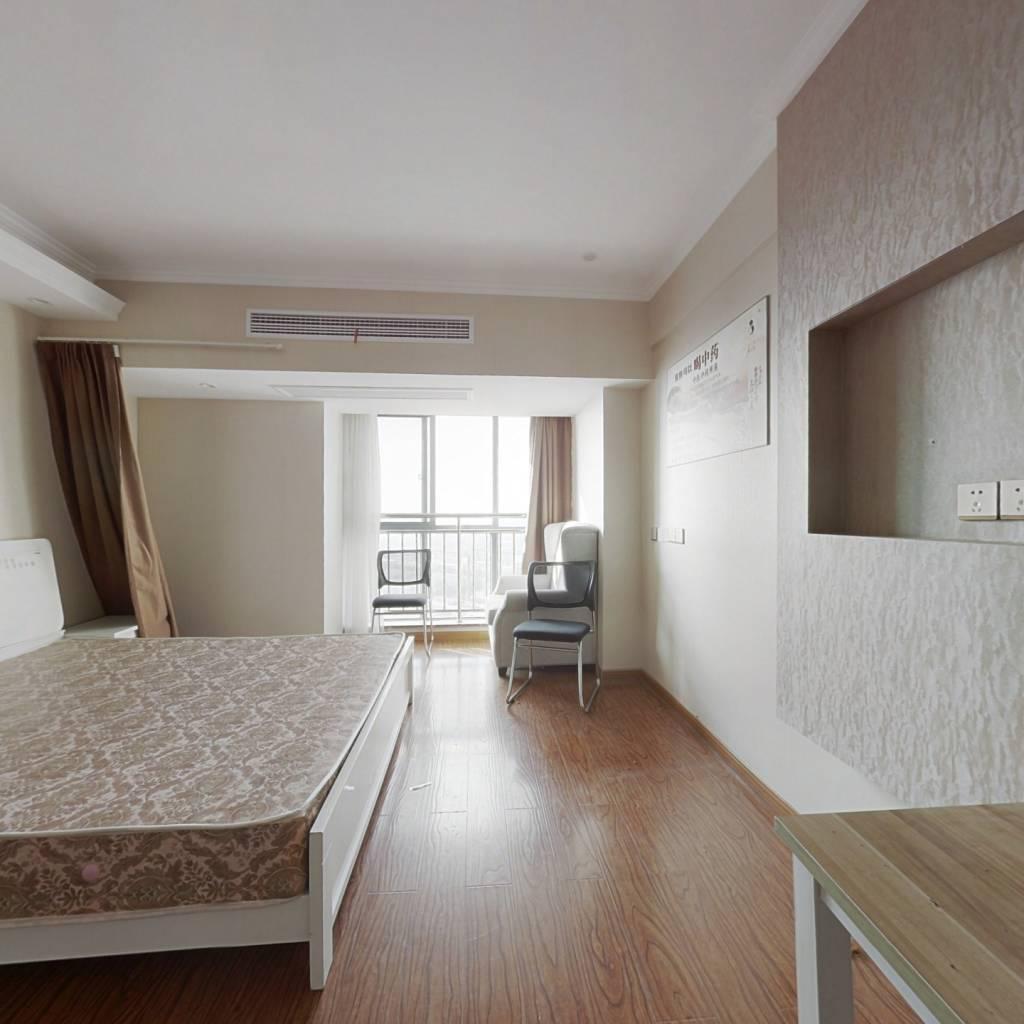 装修全新,楼层好视野开阔,合适单身和年轻夫妻居住