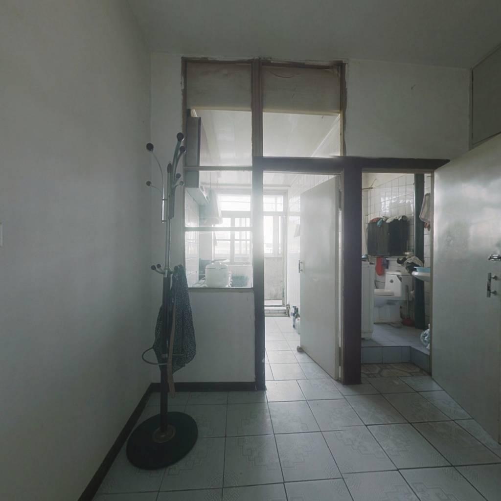 此房满五唯一,格局好,视野宽阔,居住环境好