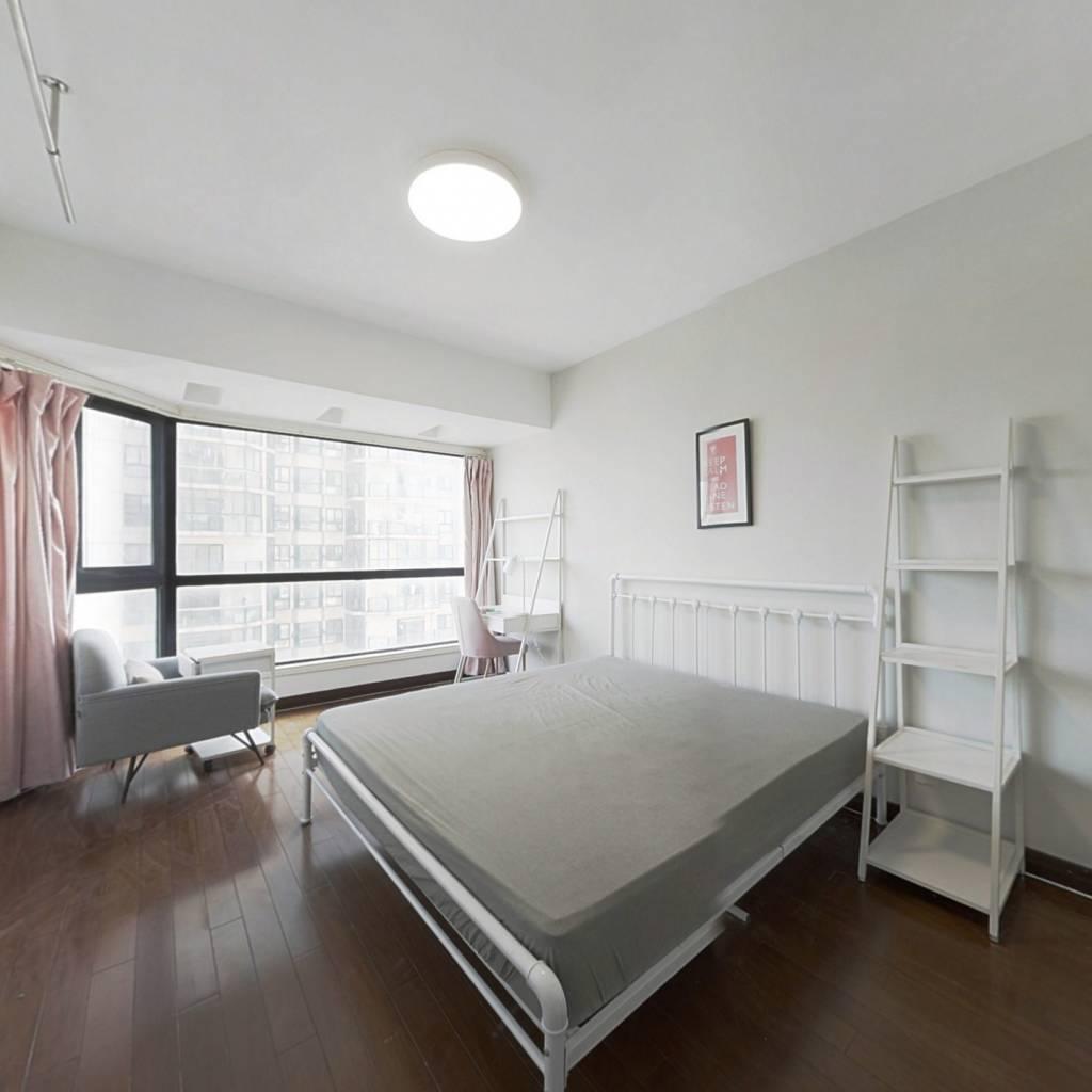 合租·中侨观邸 5室1厅 东卧室图