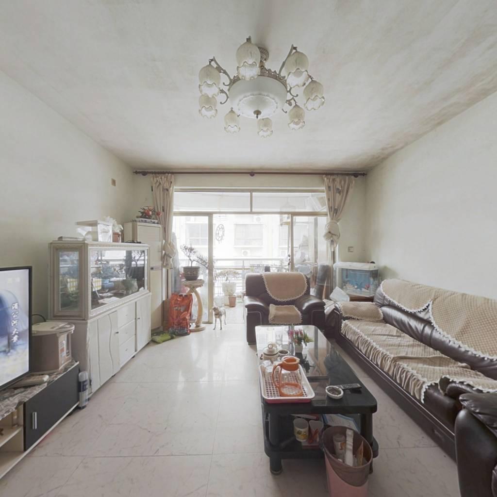 凤岭南路旁,7800单价买三房,润河谷三房出售!