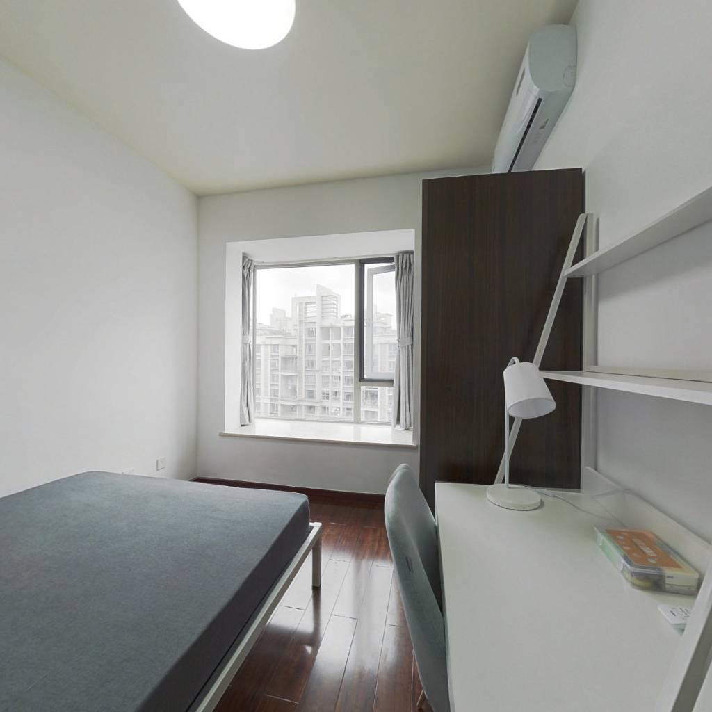 合租·中海兰庭 4室1厅 东卧室图