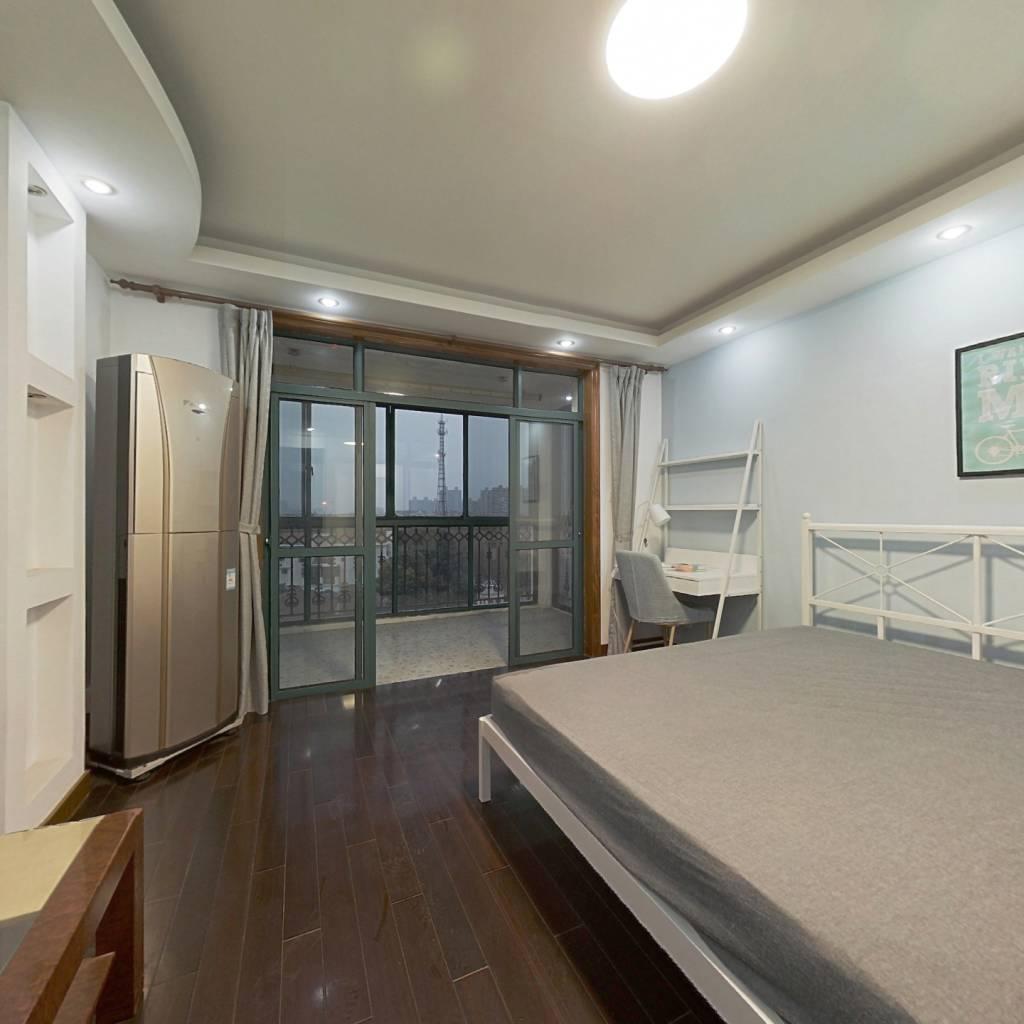 合租·润和苑 4室2厅 南卧室图