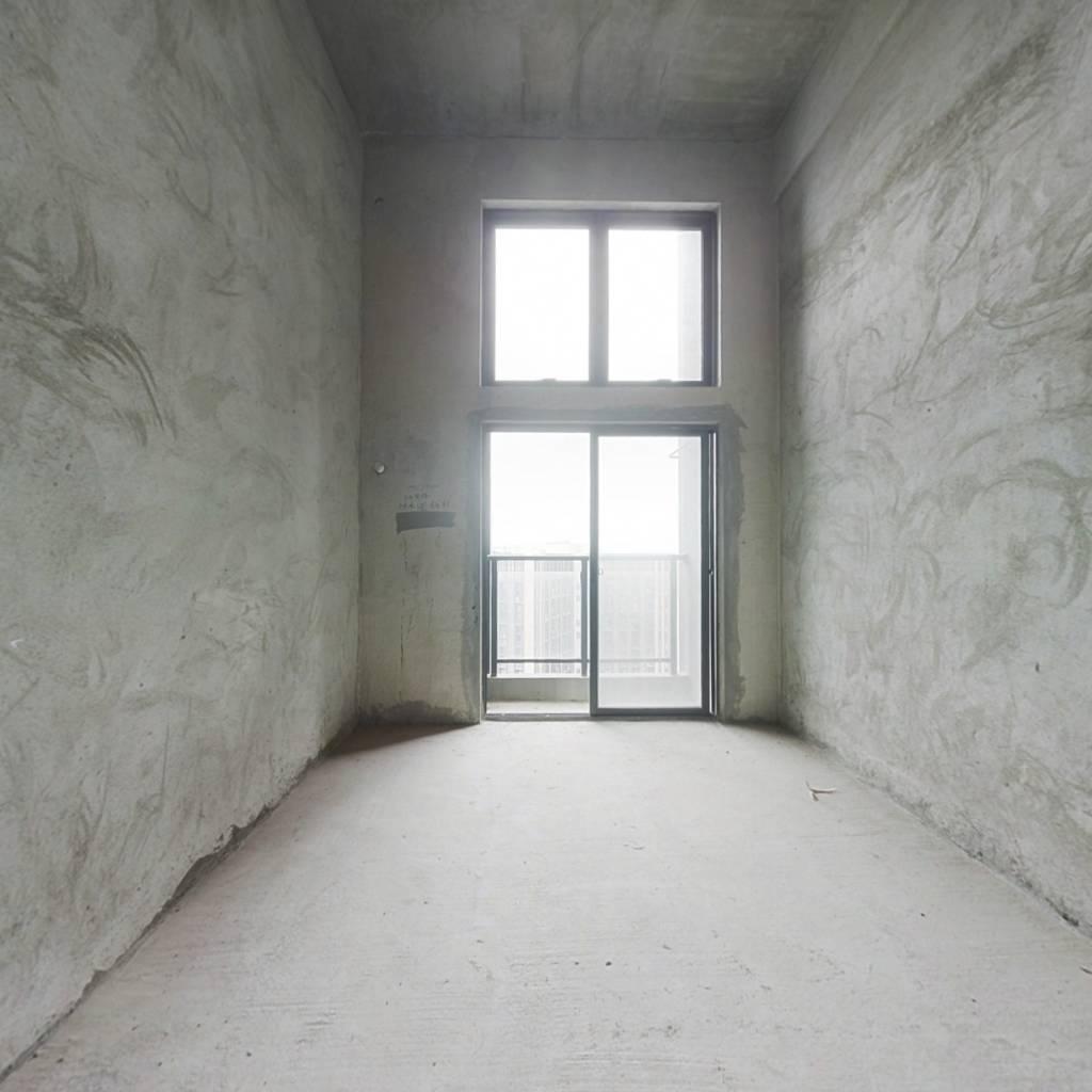 万达茂旁,天誉城单身公寓,一层得价格得两层