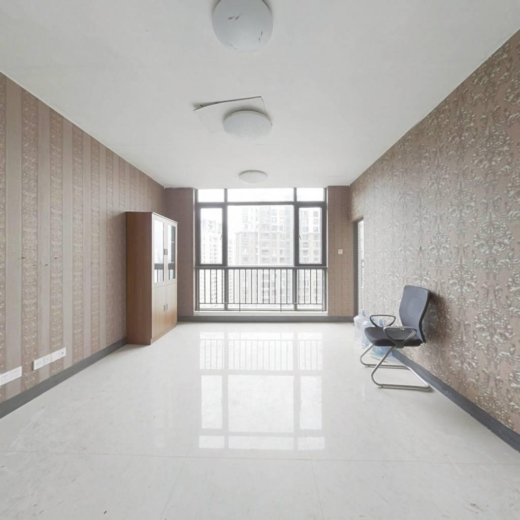 东盟商务区 复式楼 客厅朝小区视野好