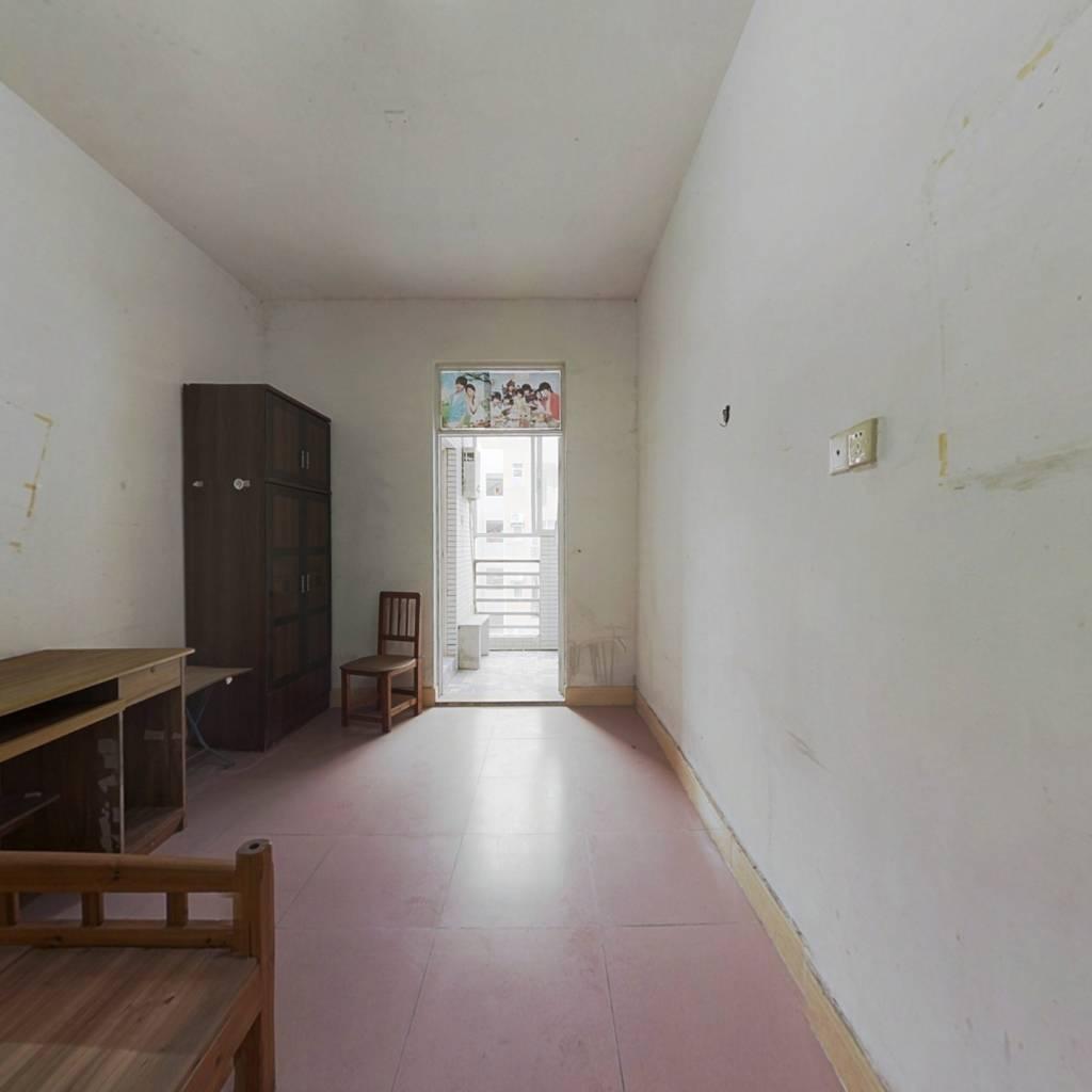 山水花城,22平单间,中间楼层,仅售11万