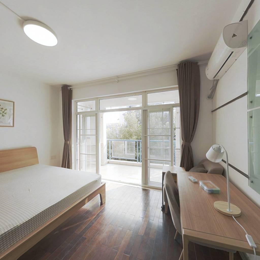 合租·南国奥林匹克花园 4室1厅 南卧室图