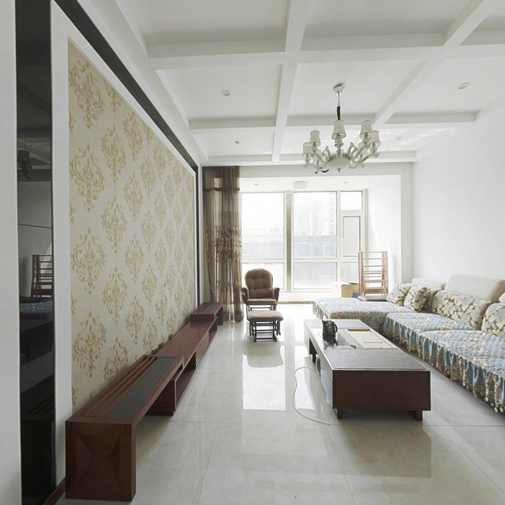 新加坡花园 多层精装修小三室 看房方便 业主诚意出售