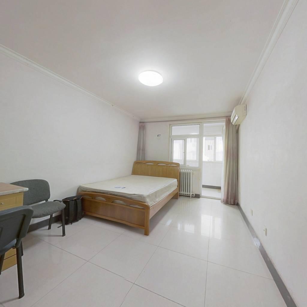 文慧园 精装婚房一室一厅 无遮挡 高层
