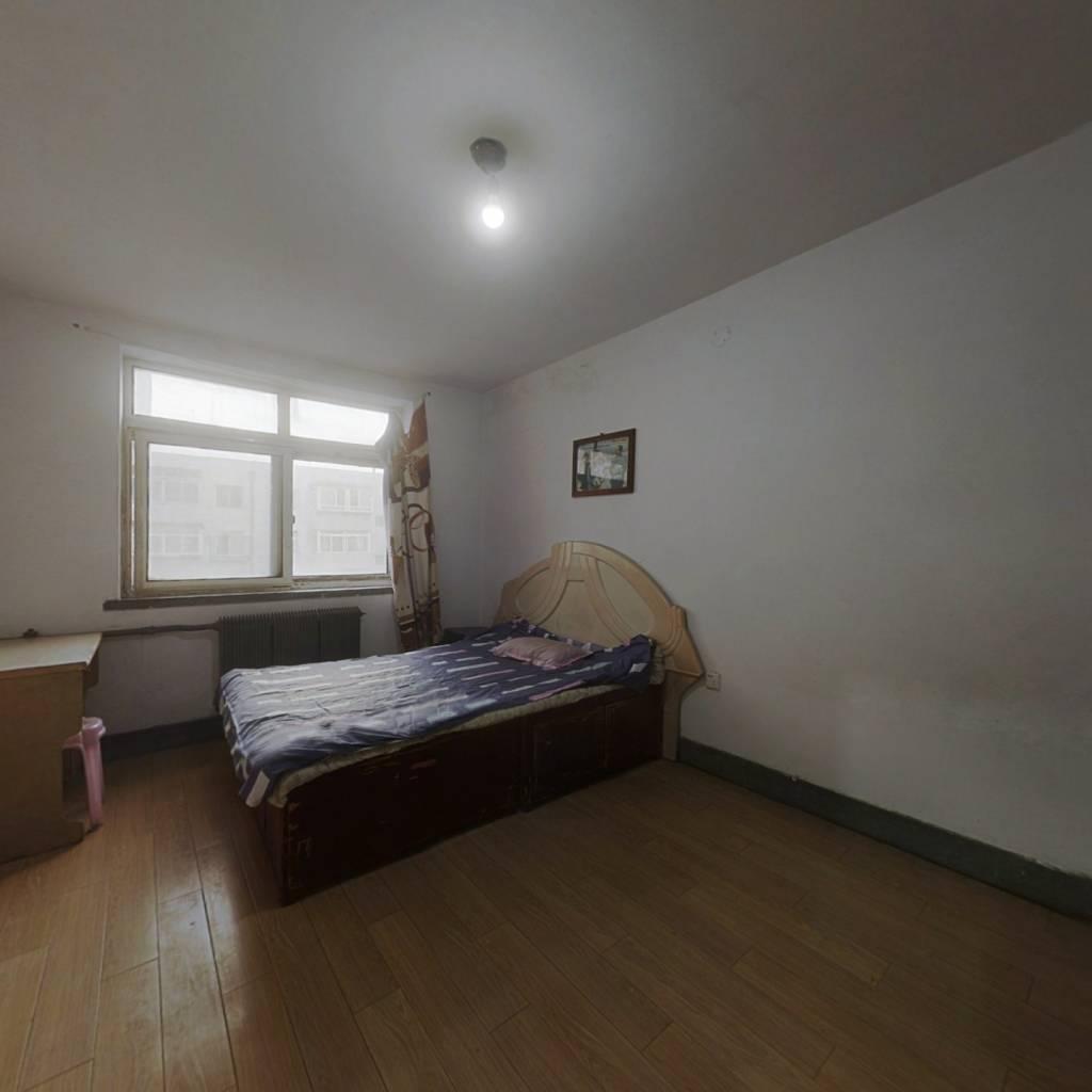宜春社区 1室1厅 南