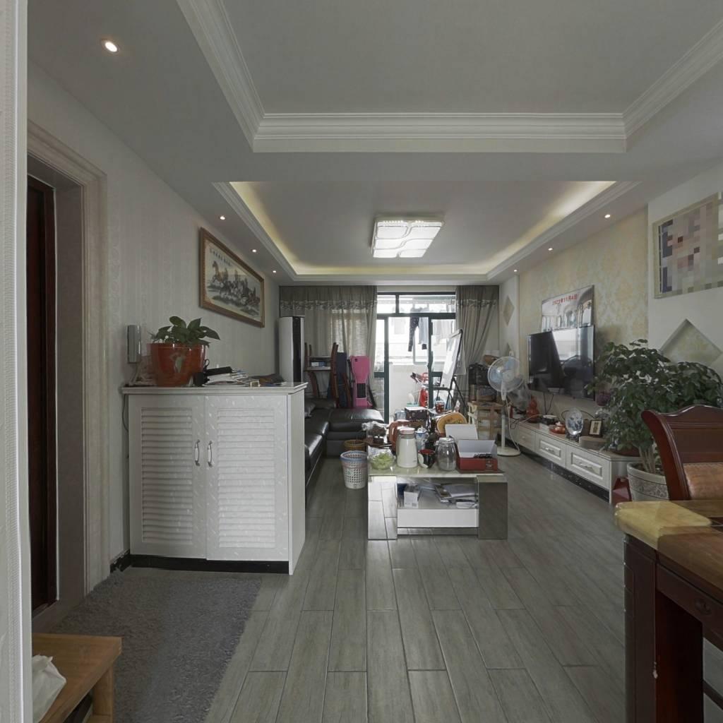 精装高层两房 小区中间位置 近地铁 随时看房 诚意卖