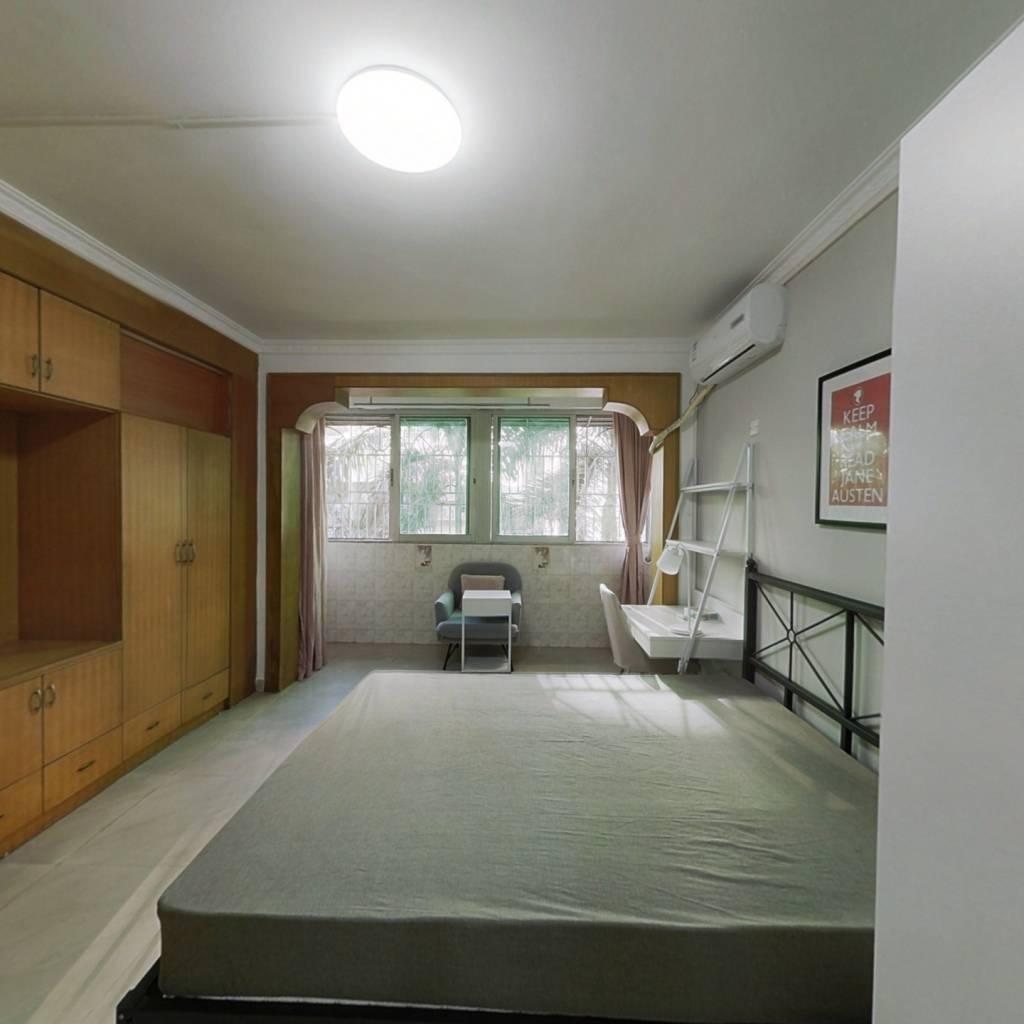 合租·广信花园 4室1厅 东北卧室图