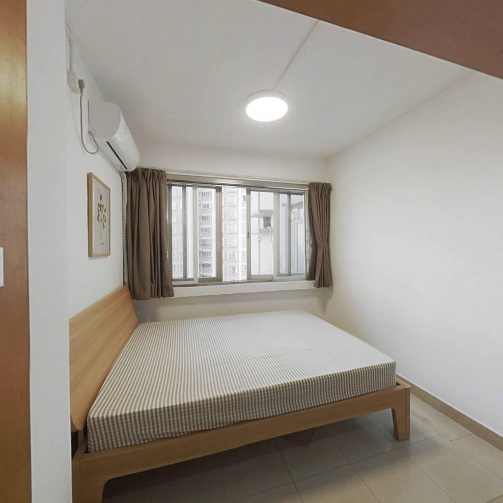 合租·金燕花园 4室1厅 南卧室图