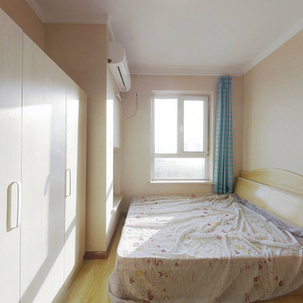 此房满五唯一,看房有钥匙,精装一室 带空调