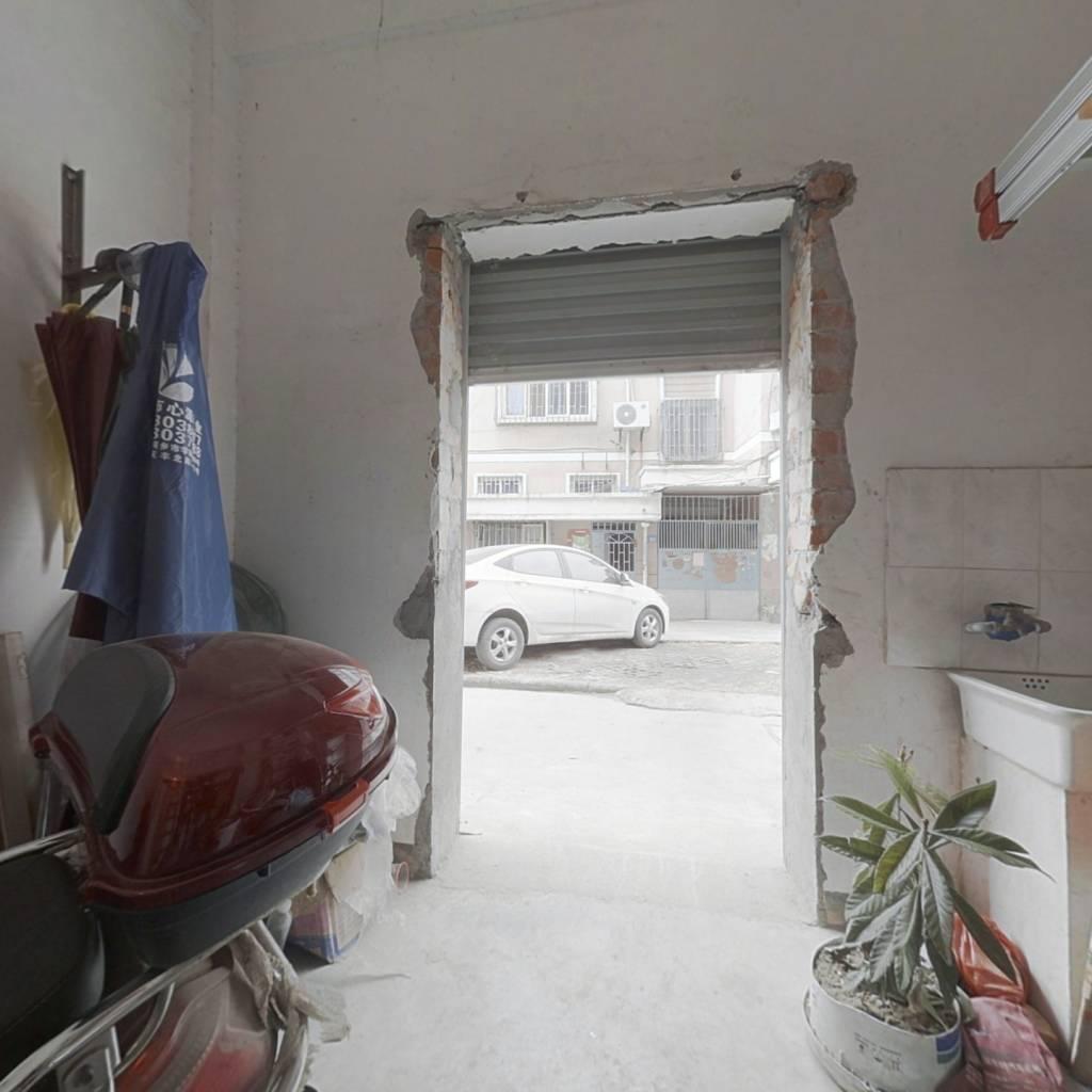 东兴南区 1室0厅 南