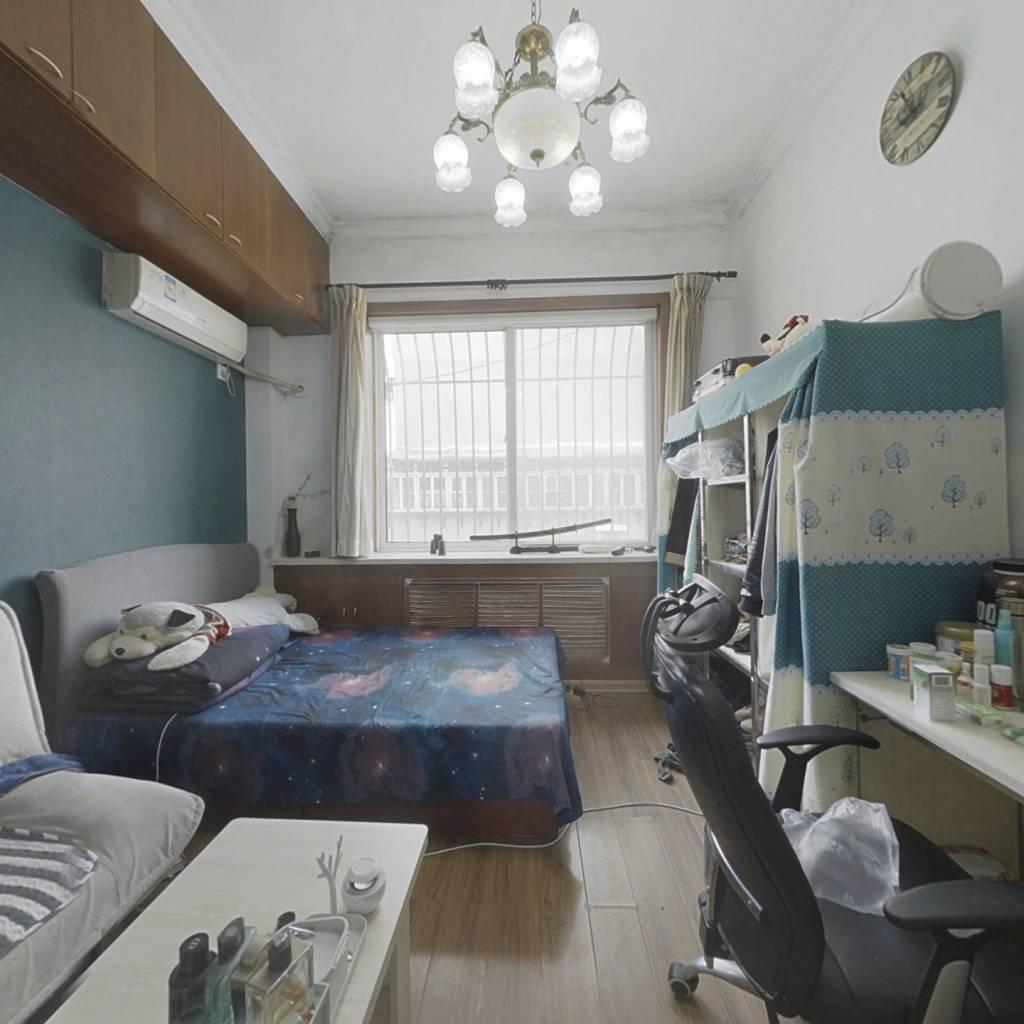 白云新村 白领公寓  40年小户型
