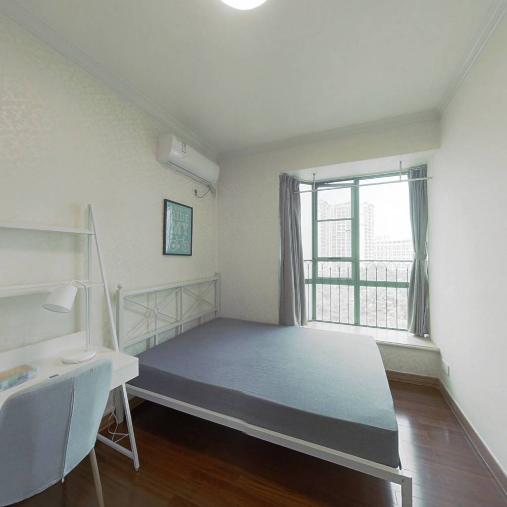 合租·新月明珠花园 5室1厅 南卧室图
