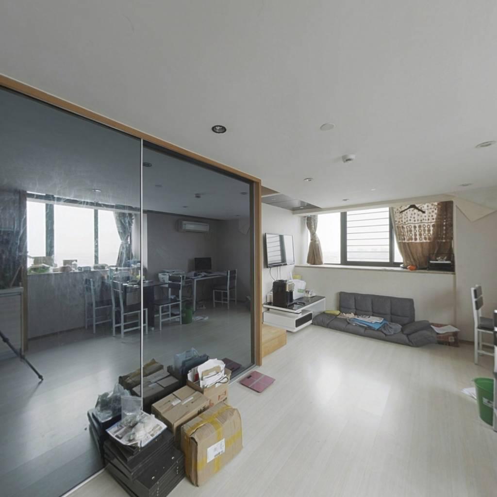 明海公寓精装房出售,房东诚心出售,看房方便
