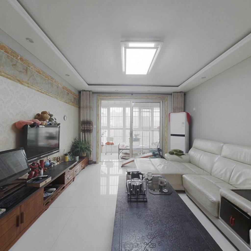 房东诚心出售 精装 两室 两卫  电梯房 好楼层 采光好