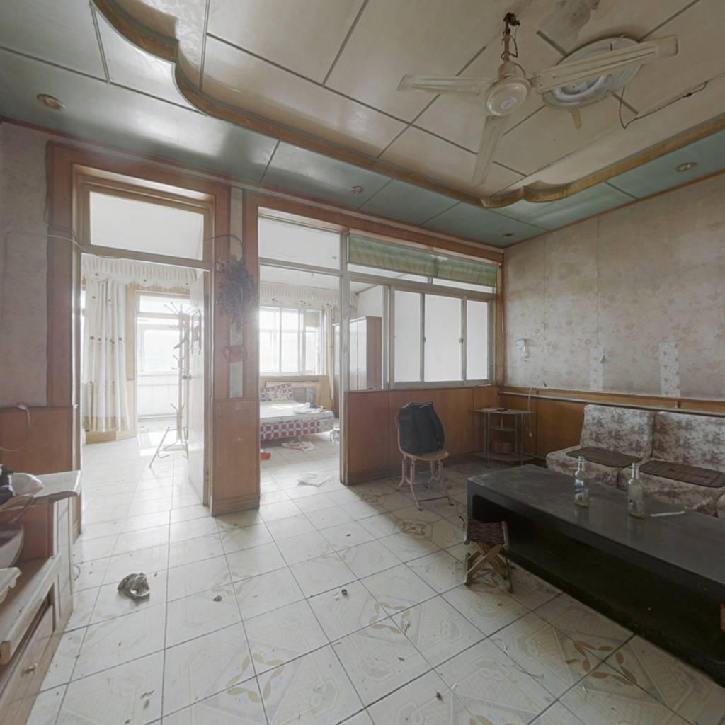 此房满五,不唯一,户型方正 采光充足,配套设施齐全