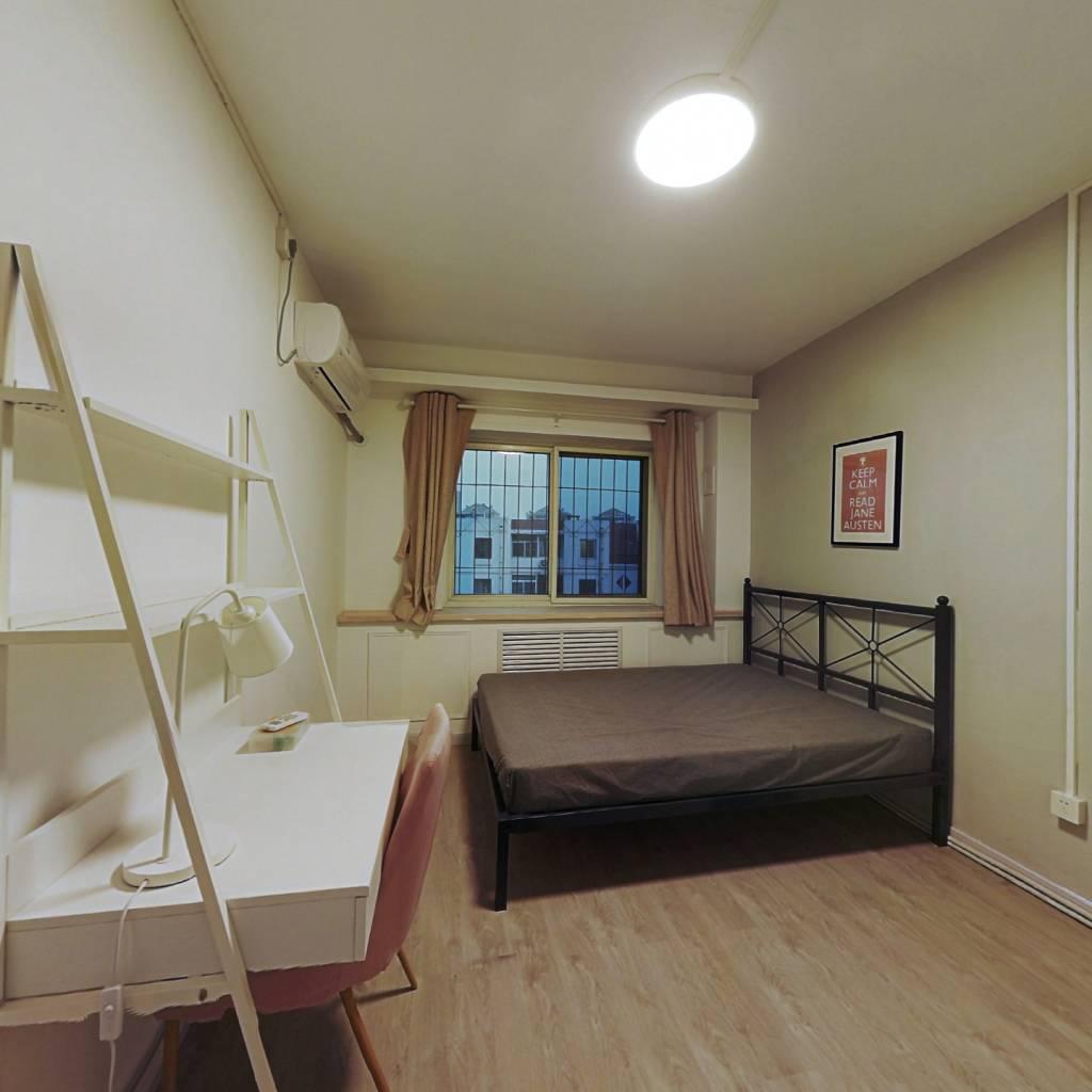 合租·居华里 3室1厅 北卧室图