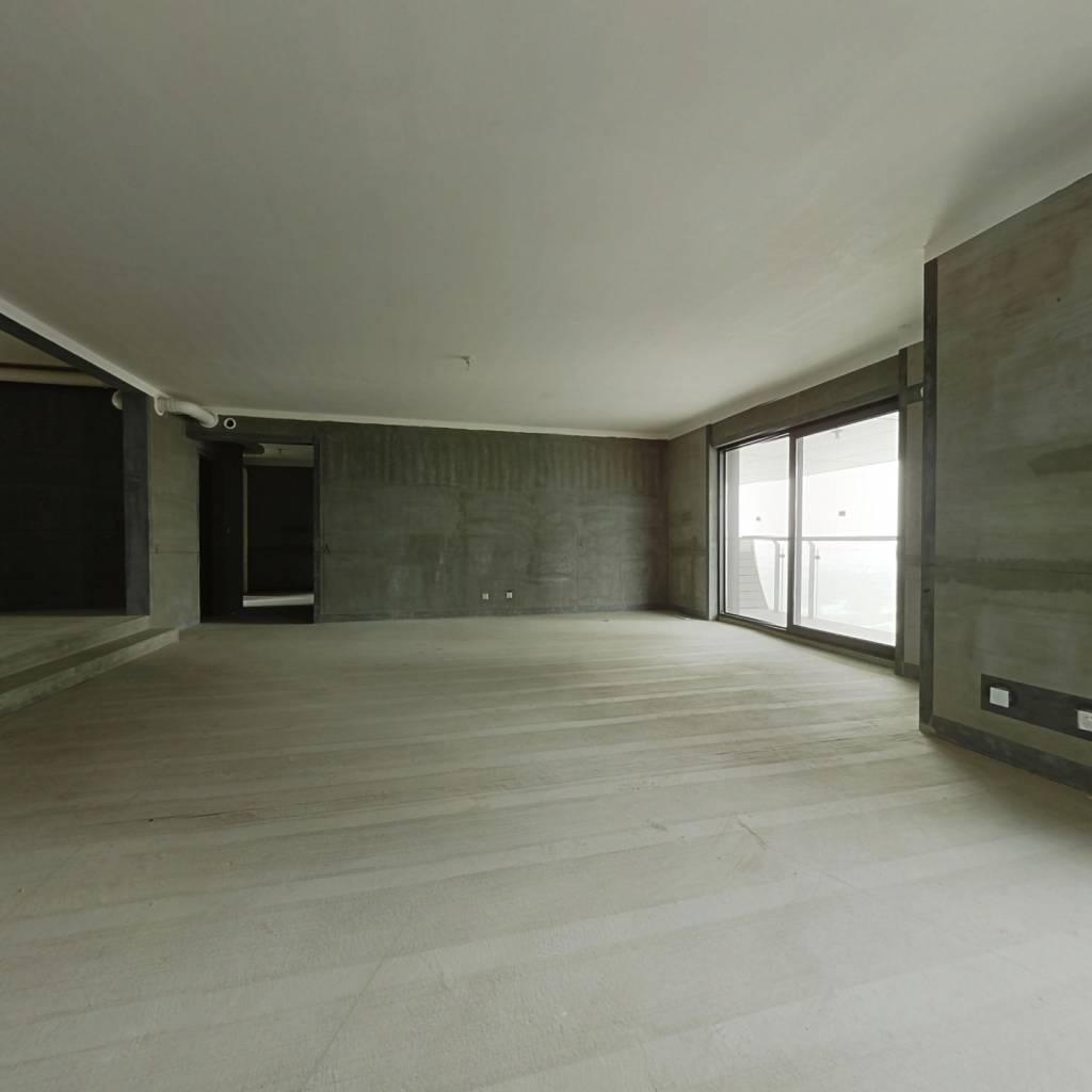 东区瀚海晴宇 五房六卫 随时看房 每层都有大露台