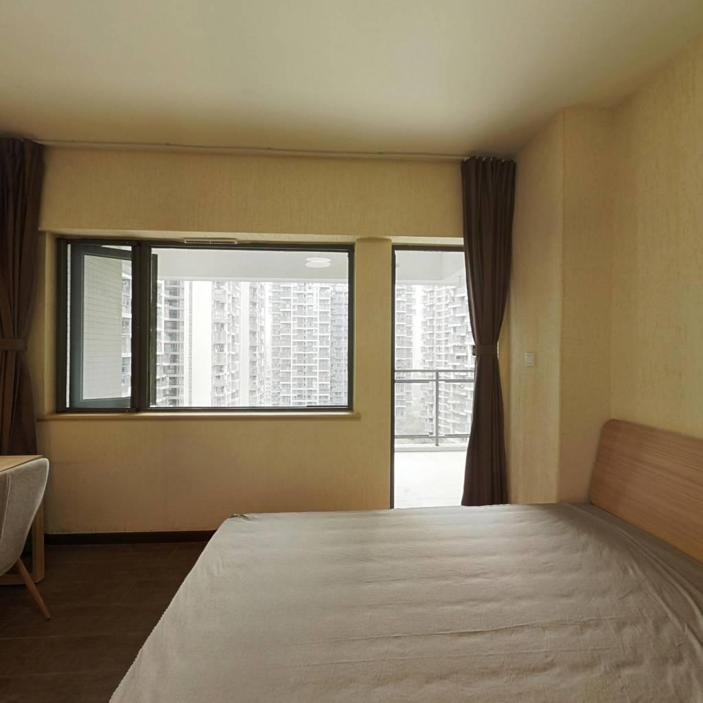 合租·财富又一城 4室1厅 南卧室图