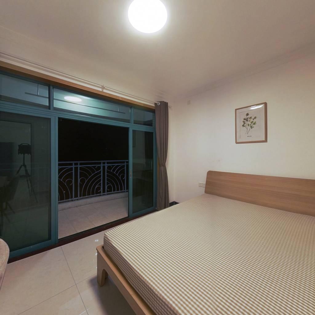 合租·新世界逸彩庭园 4室1厅 西卧室图