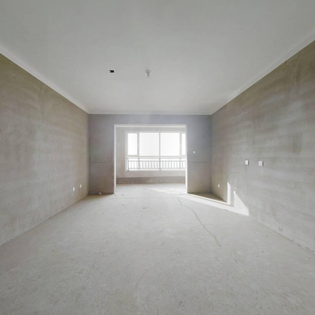 翡翠湾4室两厅两卫 南北通透 市政供暖