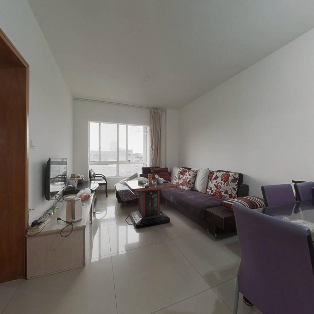 标准套二、二环边、客厅带生活阳台、低楼层安静不临街