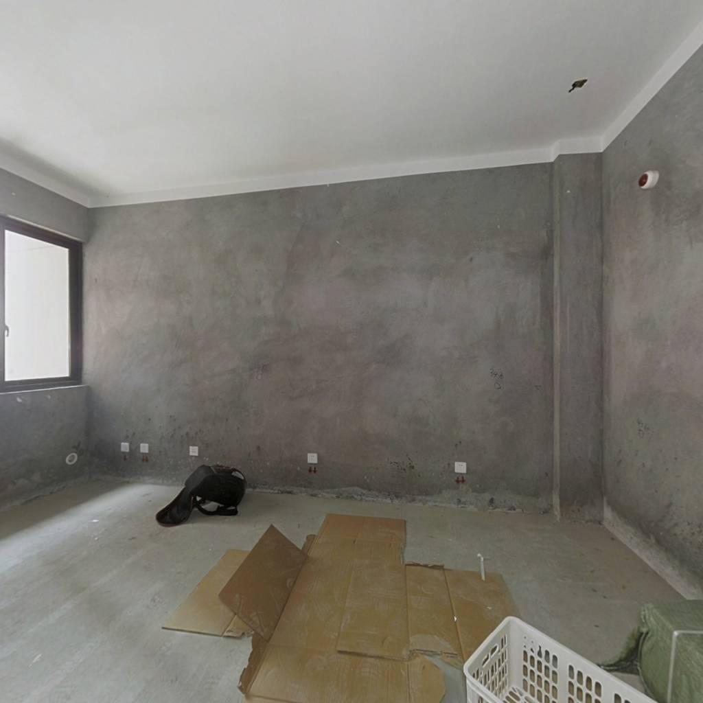 云泰锦园电梯房小面积80平,二室一厅一卫