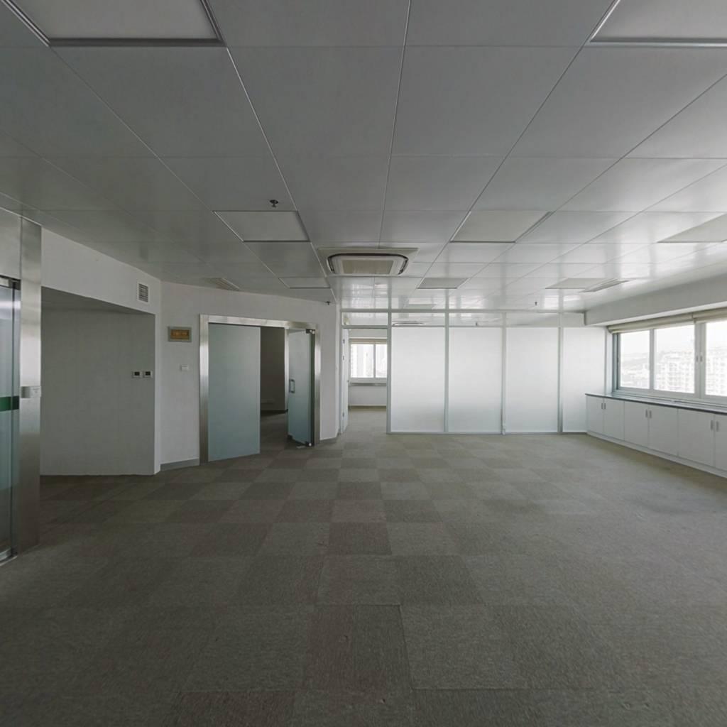 鸿翔大厦 1室0厅 南