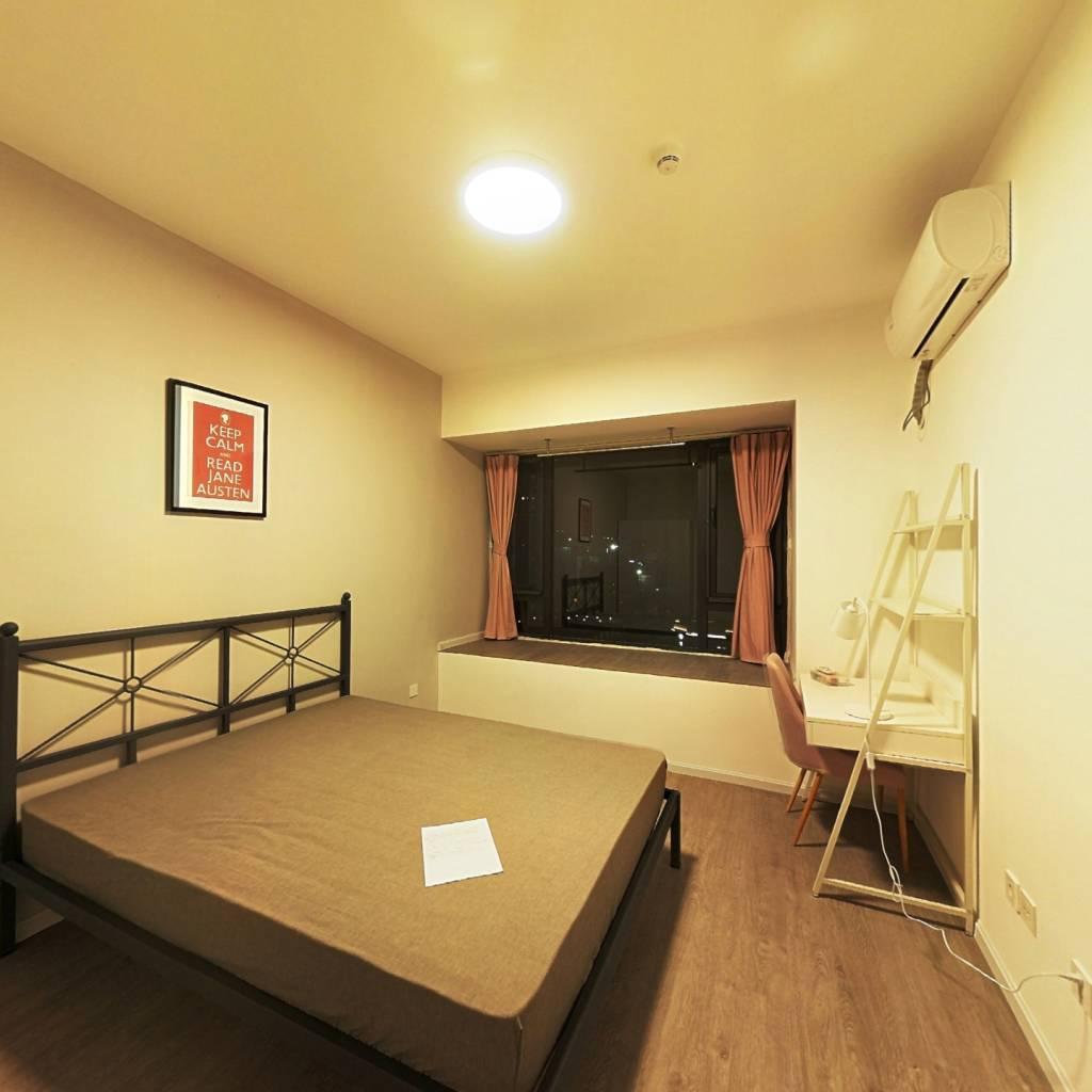 合租·央湖名邸二期 4室1厅 南卧室图
