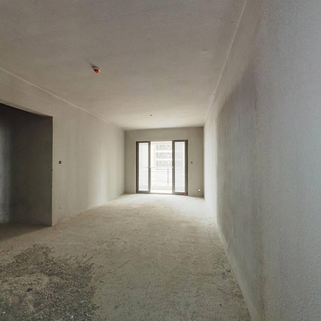 出售奥园上林苑105平毛坯3室2厅2卫售价95万