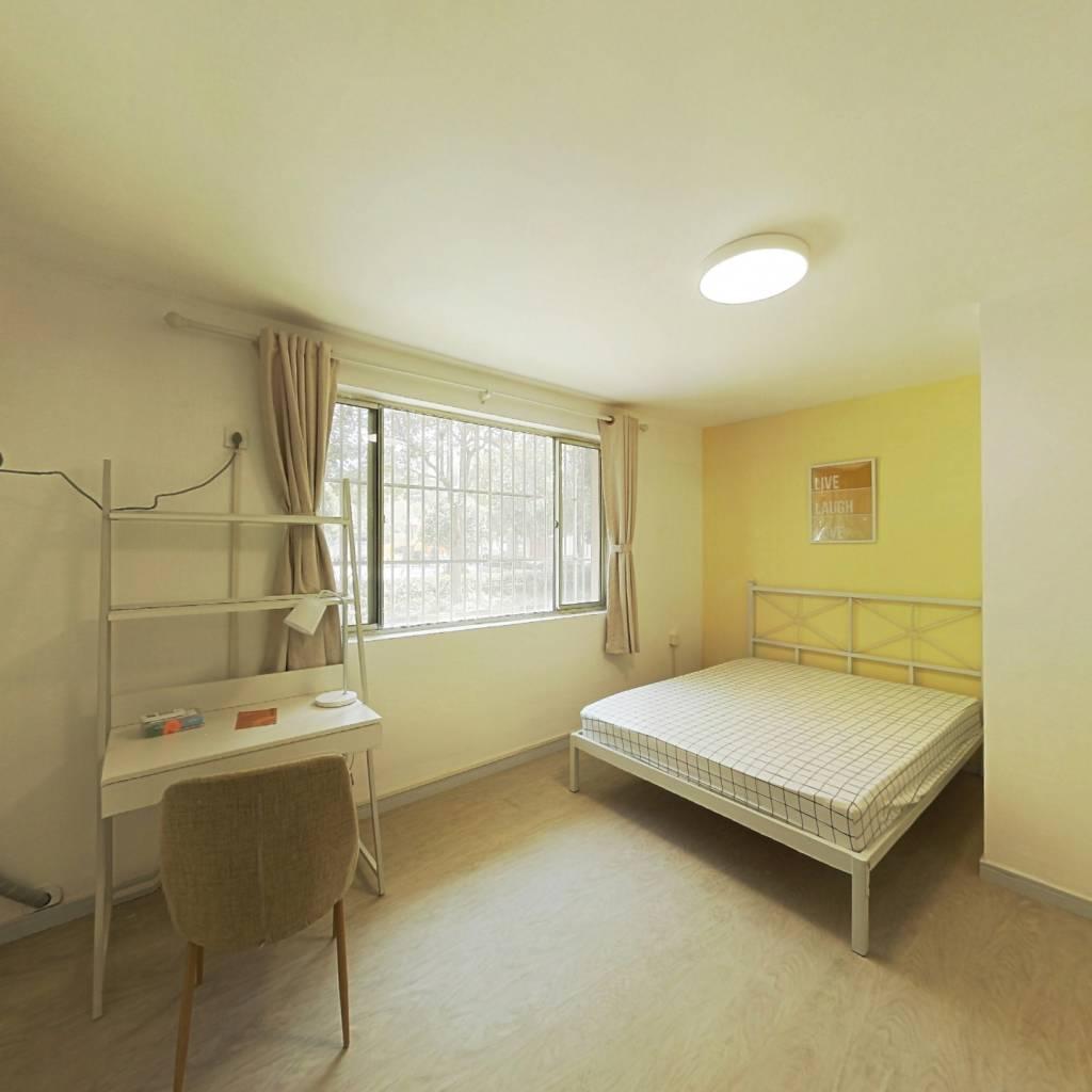 合租·云莲苑 5室1厅 南卧室图