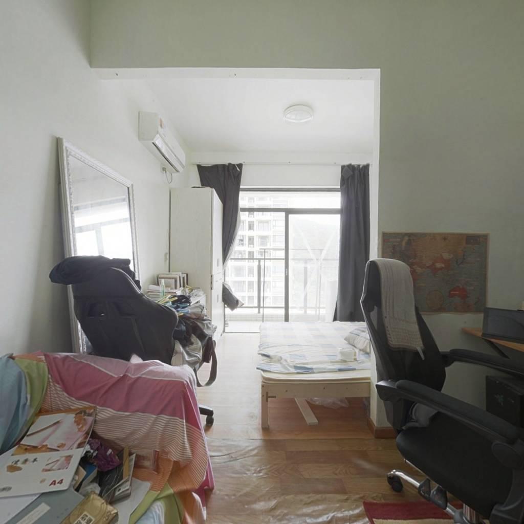 翰林公寓 中间楼层  电梯公寓 拎包入住 诚心出售