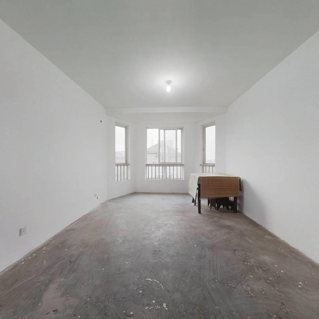 此房采光充足 价格合理 户型好 得房率高
