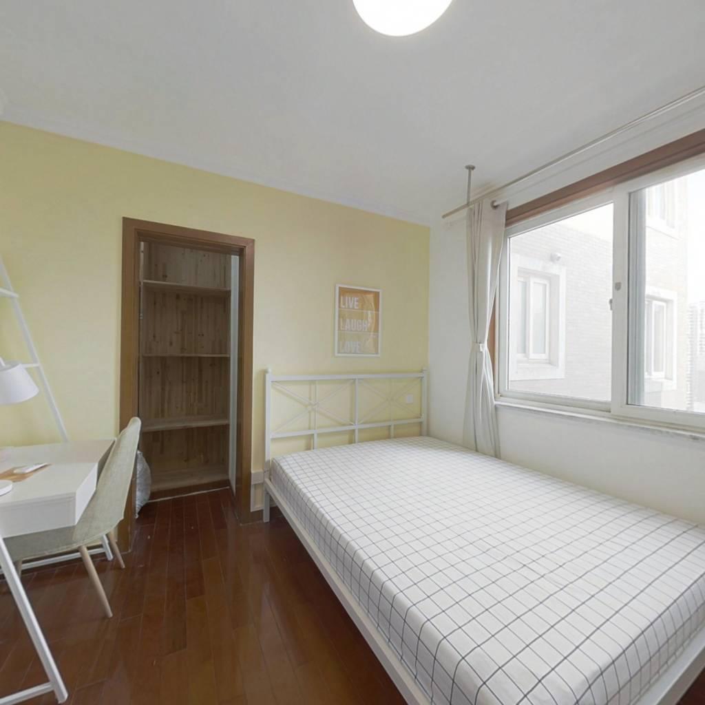 合租·白玉苑 4室1厅 南卧室图
