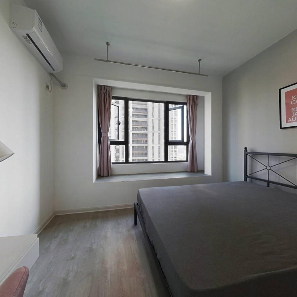 合租·上实海上海一期 5室1厅 西卧室图