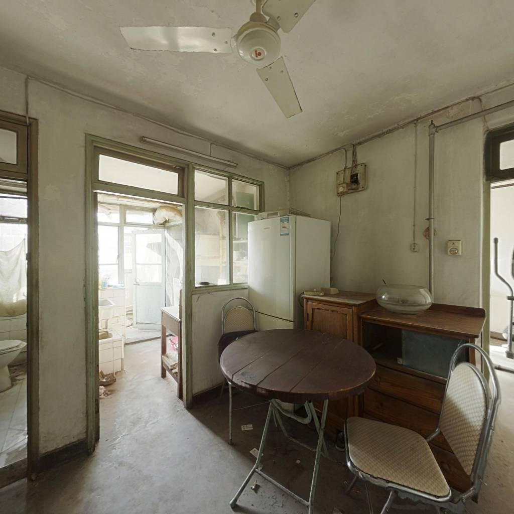 鞍山道168号社区,小区环境干净,诚意出售