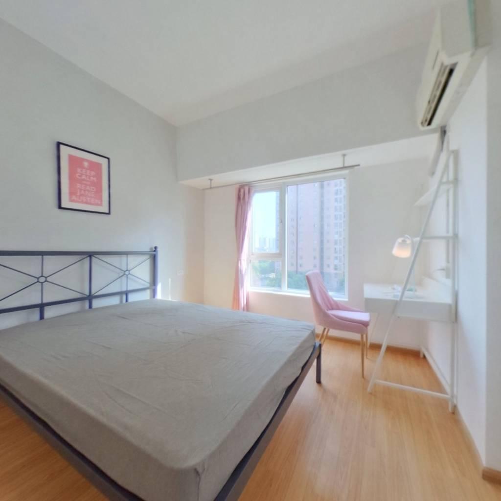 合租·水晶郦都 3室1厅 南卧室图