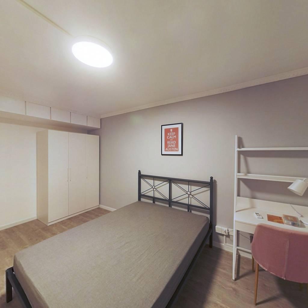 合租·联建新村(长宁) 3室1厅 南卧室图