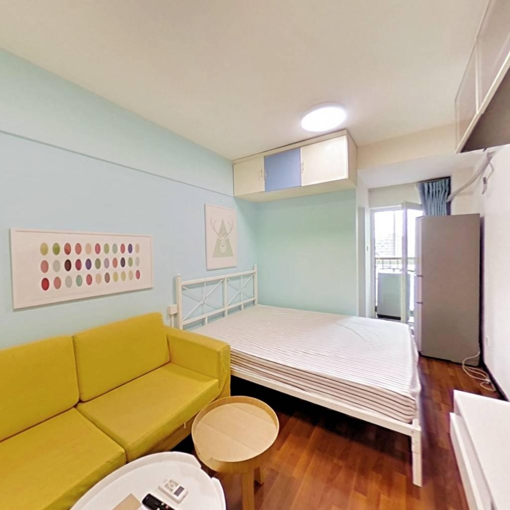 整租·新城市广场 1室1厅 东卧室图