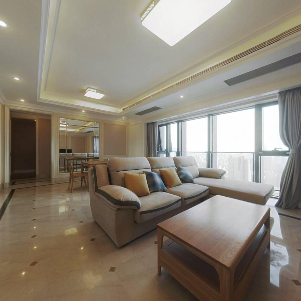 品质小区 精装房,小区环境好!中间楼层,看房方便!